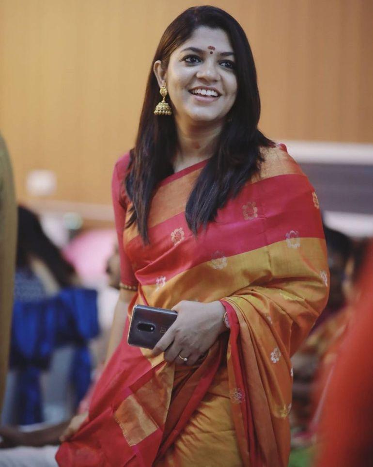 53+ Gorgeous Photos of Aparna Balamurali 27