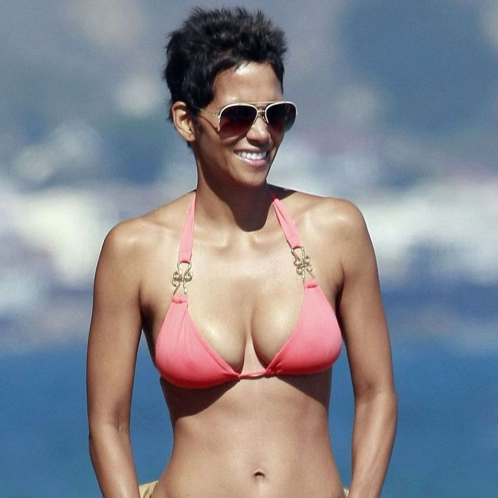 59+ Charming Photos of Halle Berry 25