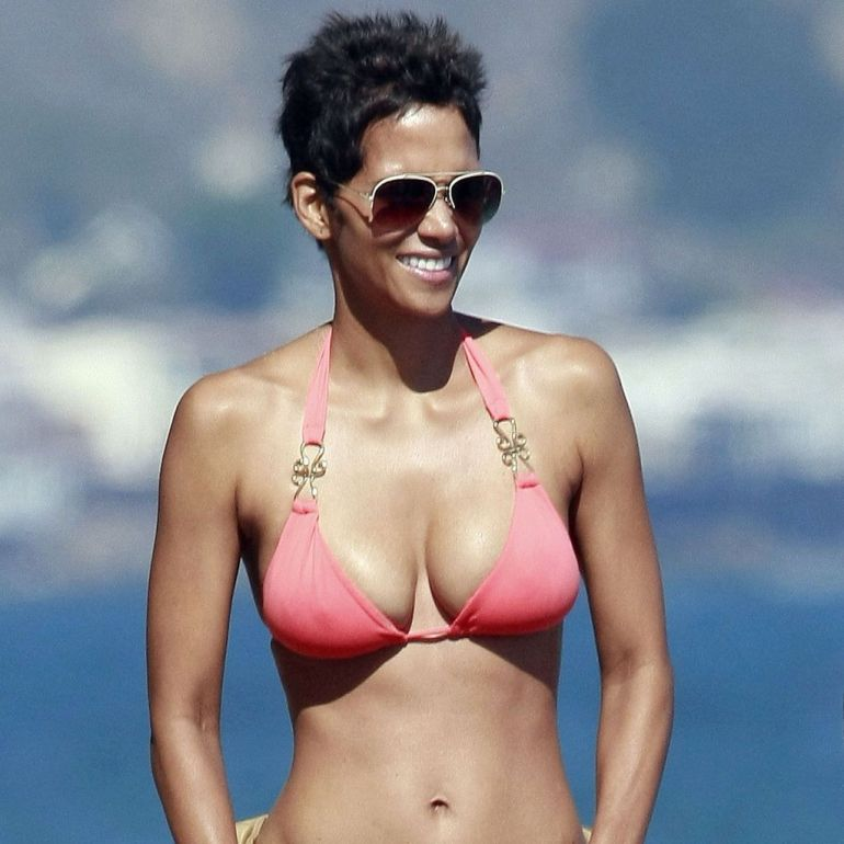 59+ Charming Photos of Halle Berry 109
