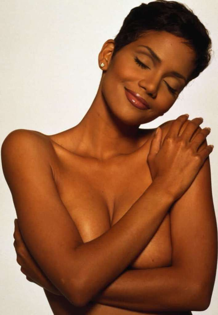 59+ Charming Photos of Halle Berry 42