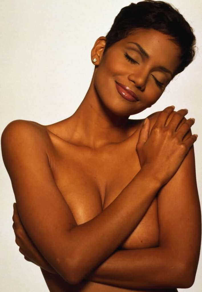 59+ Charming Photos of Halle Berry 126