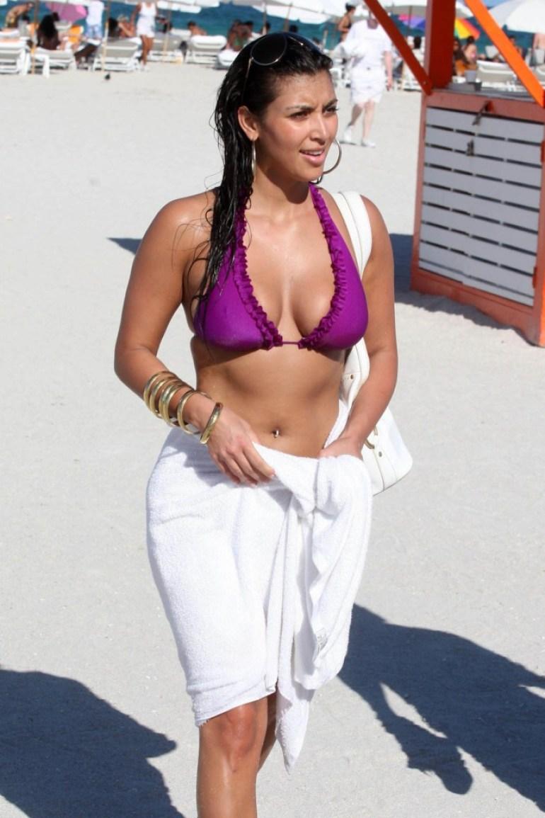 45+ Glamorous Photos of Kim Kardashian 12