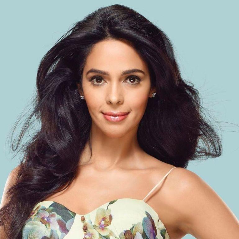29+ Beautiful Photos of Mallika Sherawat 5
