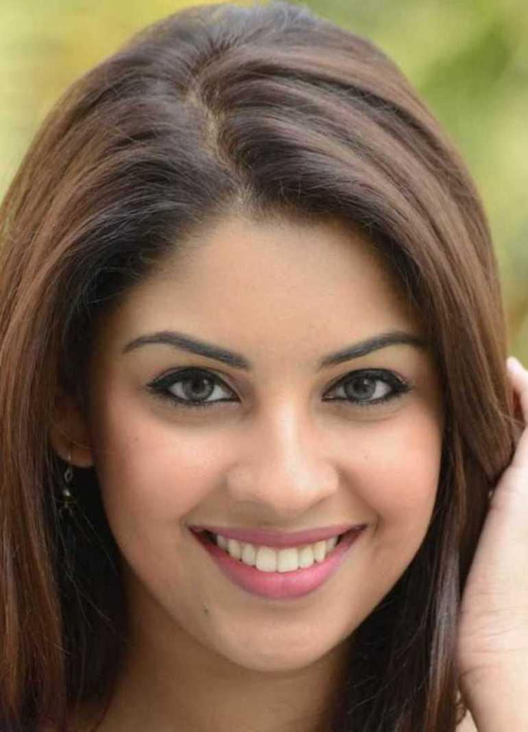 Stunning Photos of Richa Gangopadhyay 3