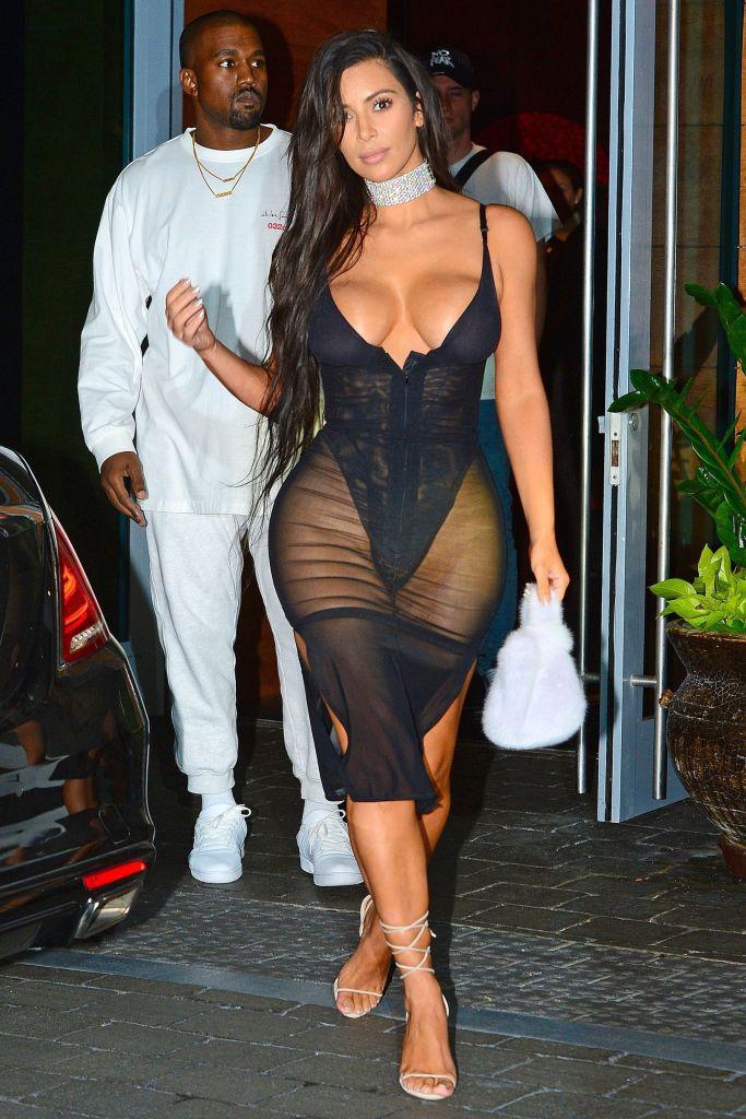 45+ Glamorous Photos of Kim Kardashian 116