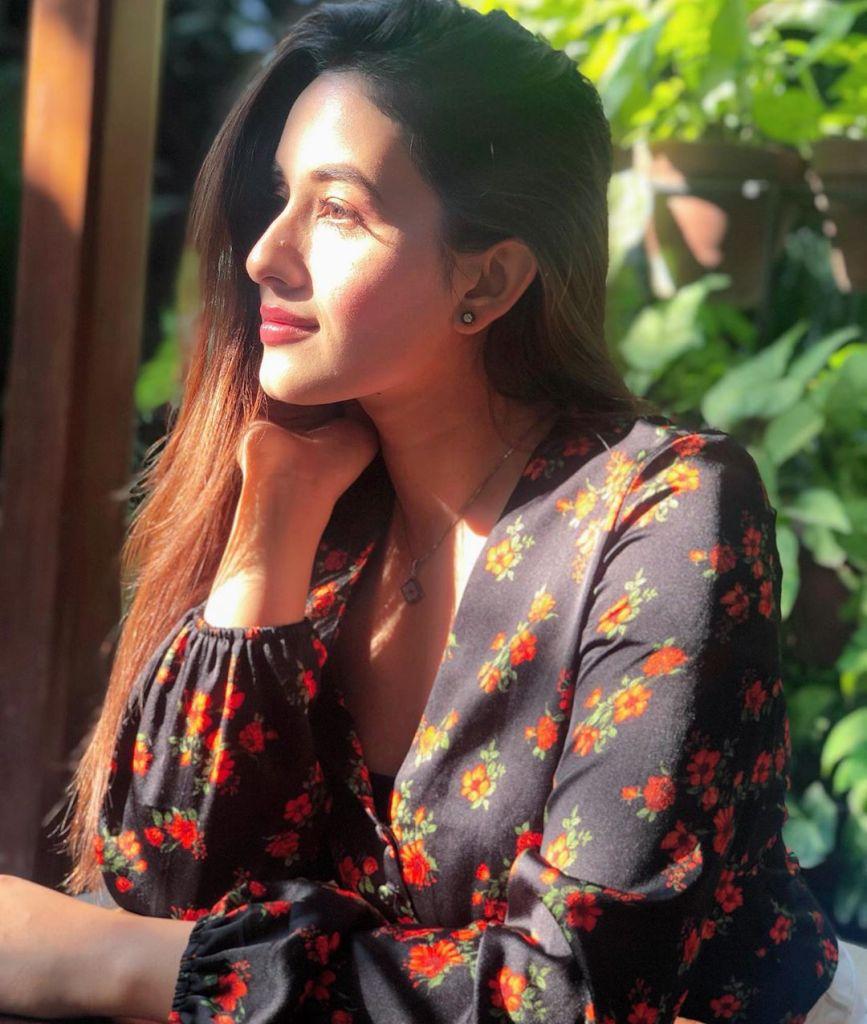 42+ Glamorous Photos of Aditi Budhathoki 6
