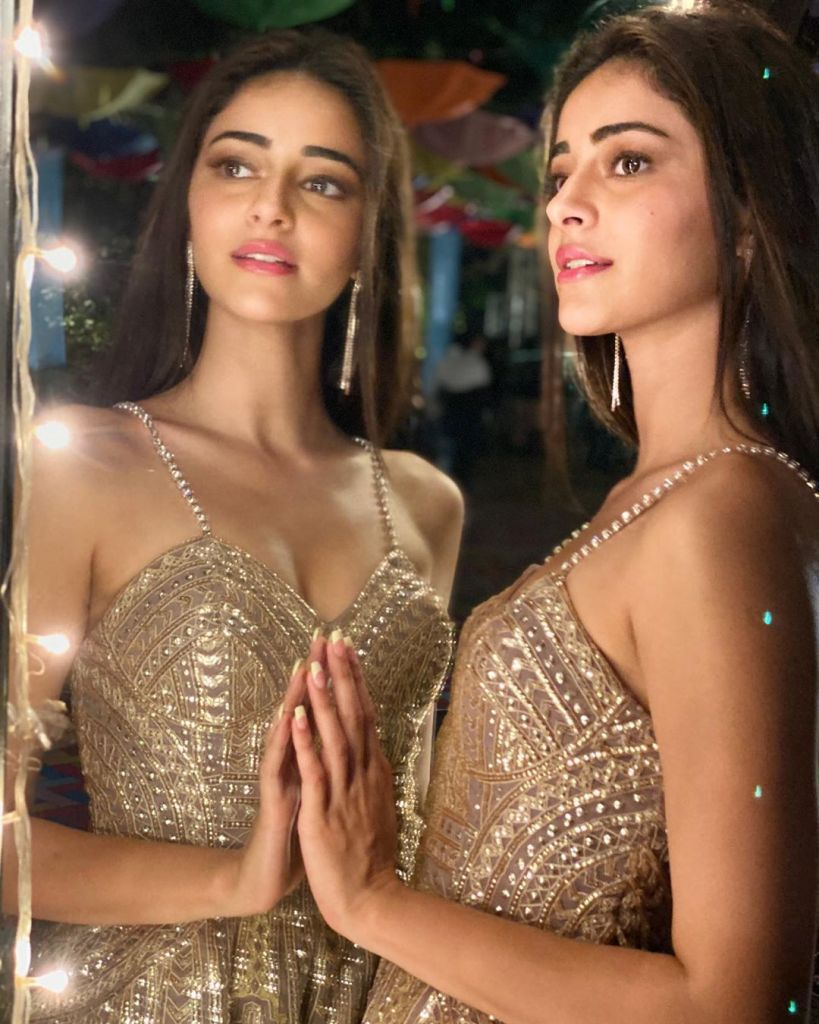 51+ Glamorous Photos of Ananya Panday 12