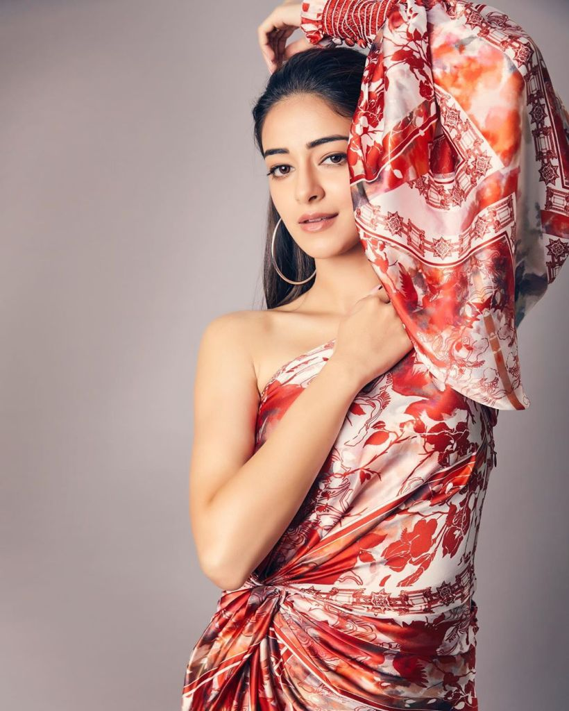 51+ Glamorous Photos of Ananya Panday 15