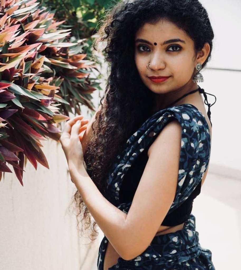 17+ Lovely Photos of Anna Ben 2
