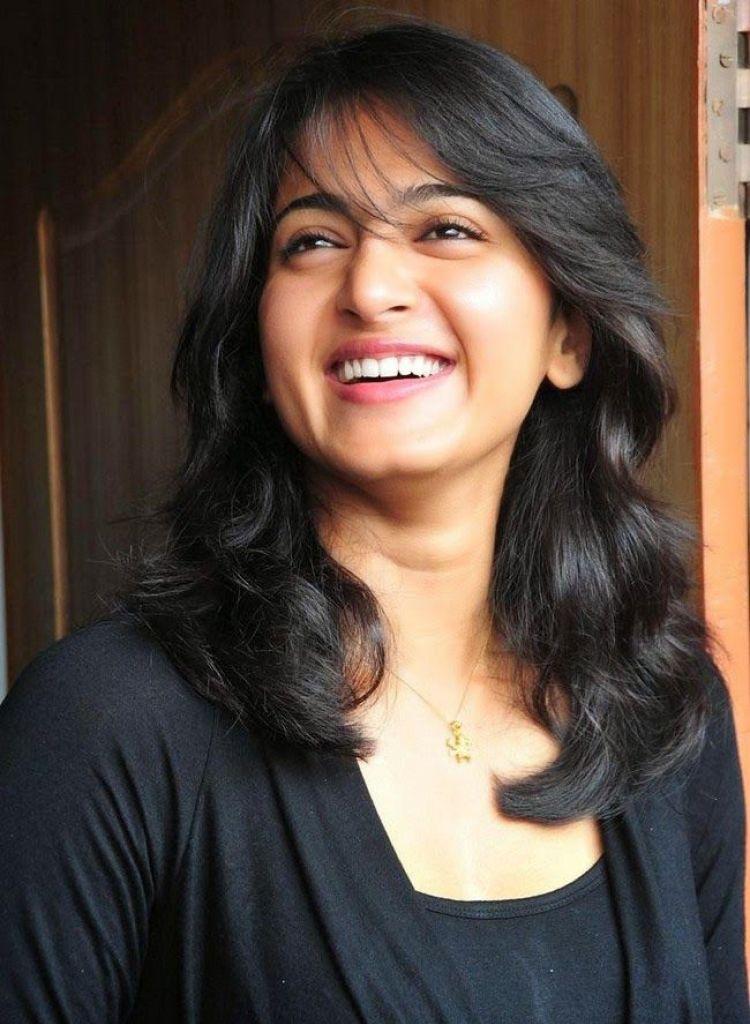 126+ Stunning HD Photos of Anushka Shetty 35