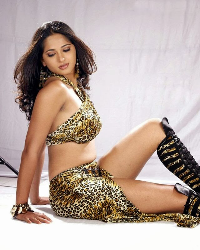 126+ Stunning HD Photos of Anushka Shetty 121