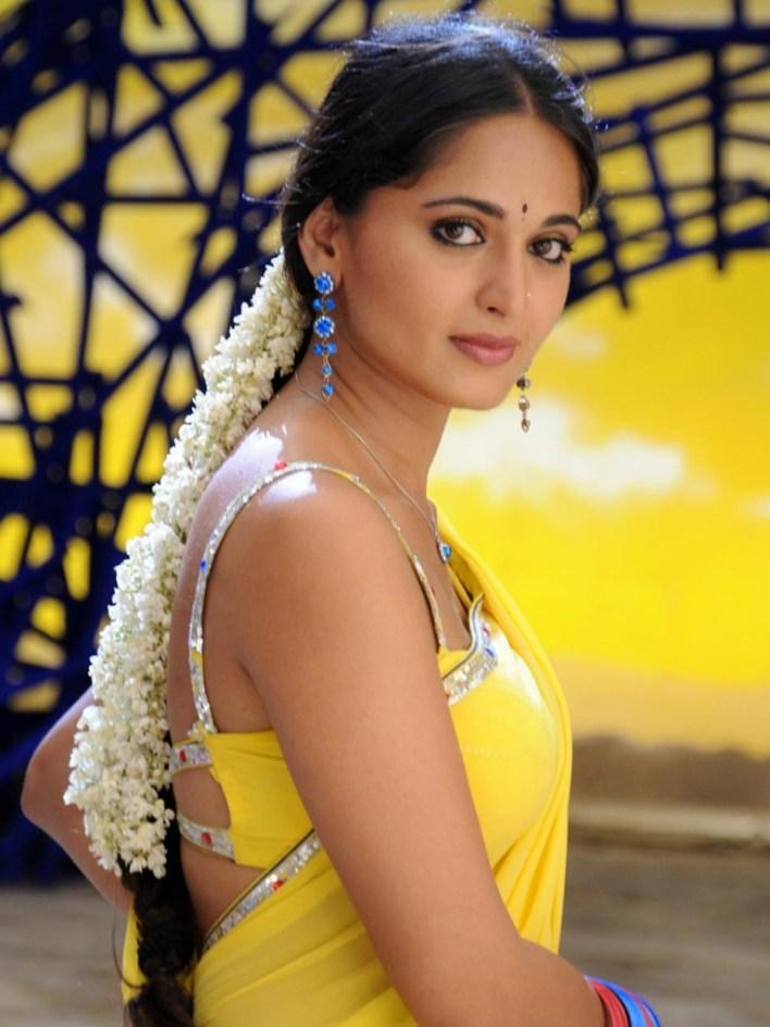 Anushka Shetty Wiki, Biography, Movies, and 126+ Stunning Photos 64
