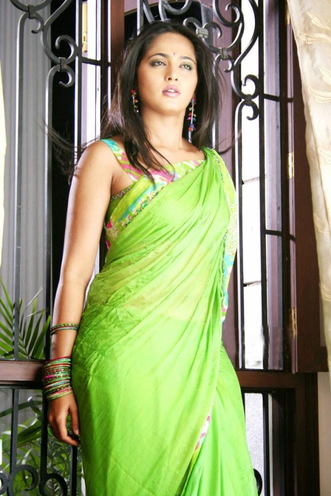 126+ Stunning HD Photos of Anushka Shetty 70