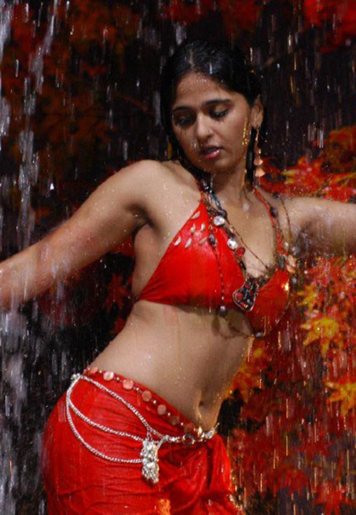 126+ Stunning HD Photos of Anushka Shetty 94