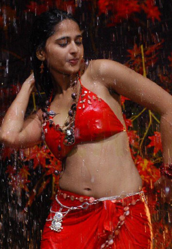 126+ Stunning HD Photos of Anushka Shetty 107