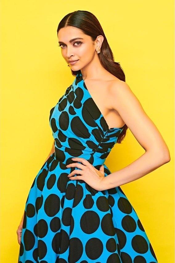 65+ Glamorous Photos of Deepika Padukone 19