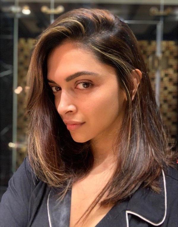 65+ Glamorous Photos of Deepika Padukone 24