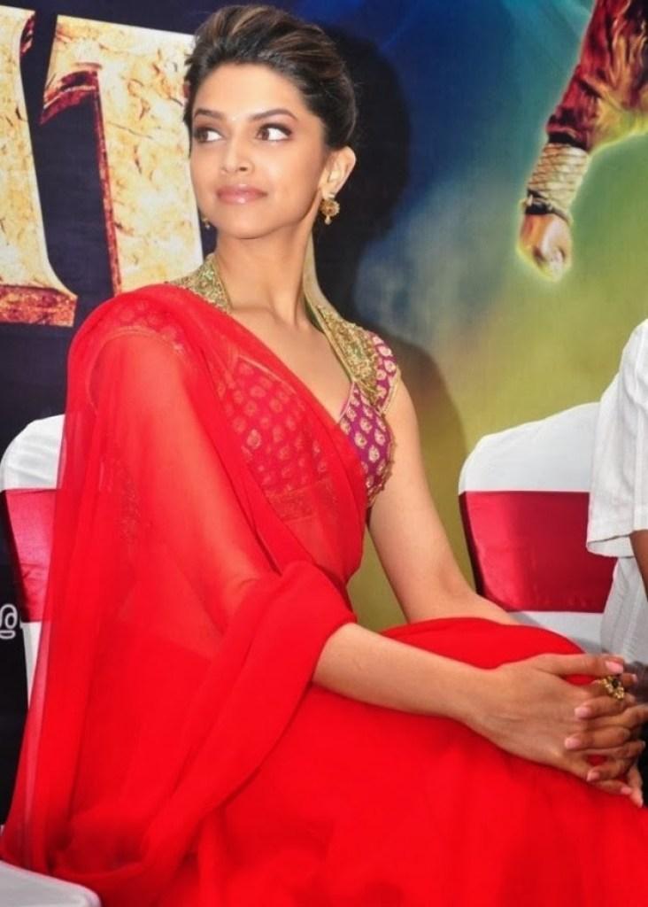 65+ Glamorous Photos of Deepika Padukone 43