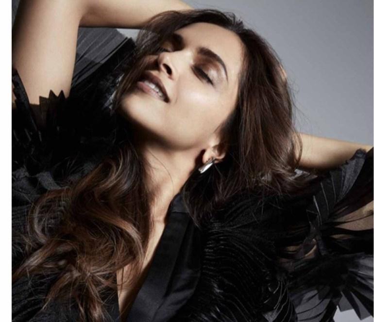65+ Glamorous Photos of Deepika Padukone 62