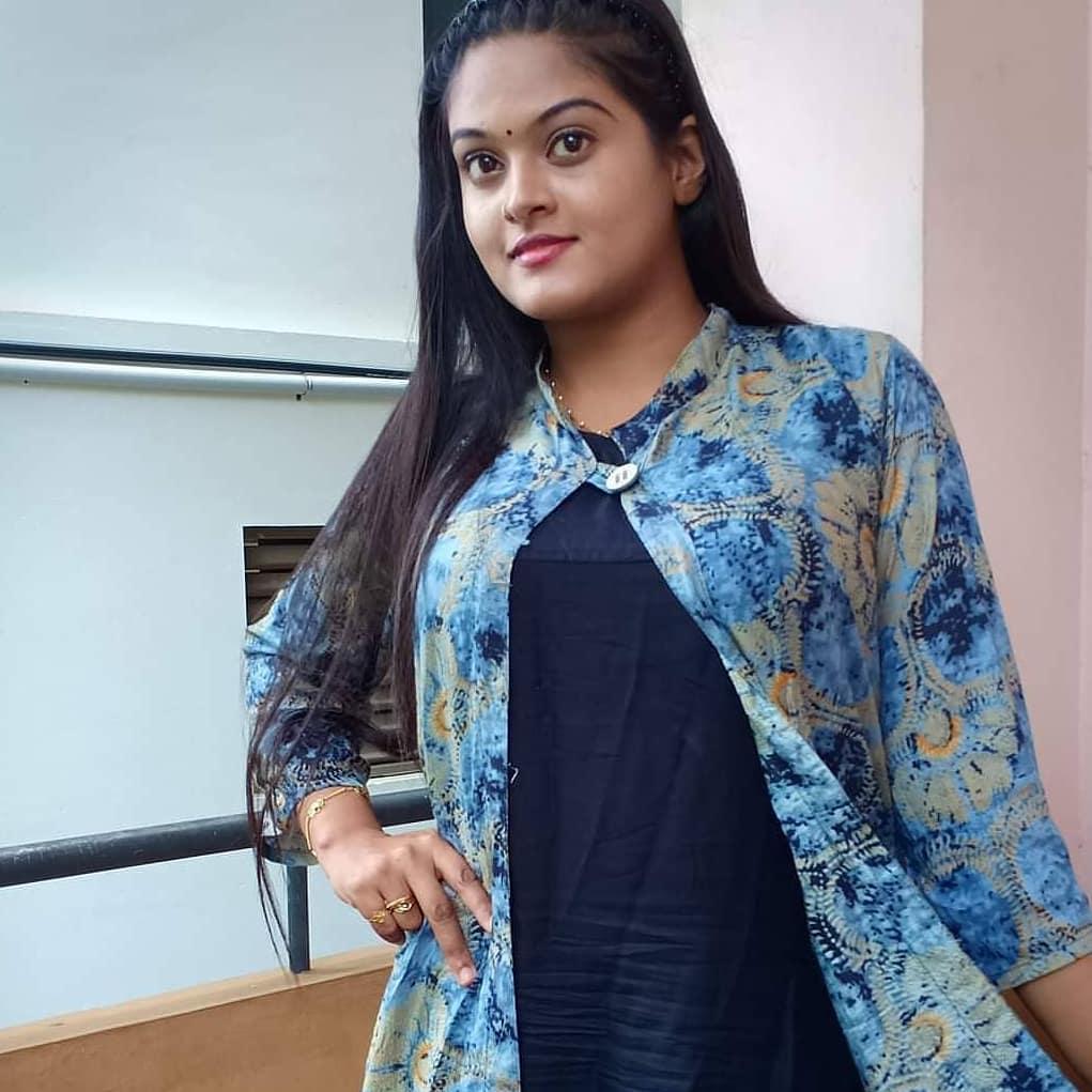 Check out Elishera rai Beautiful Photos 2