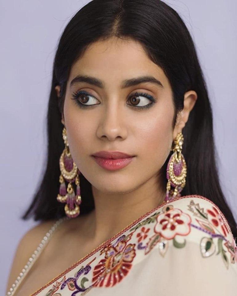 45+ Stunning Photos of Janhvi Kapoor 128