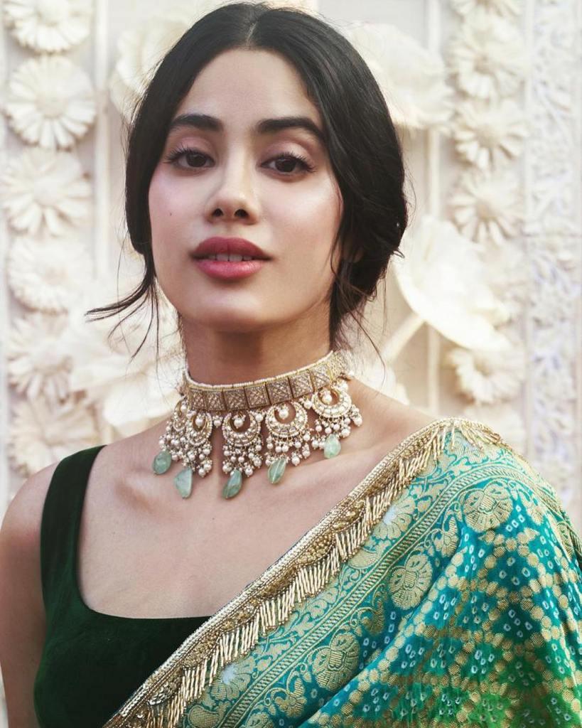 45+ Stunning Photos of Janhvi Kapoor 8