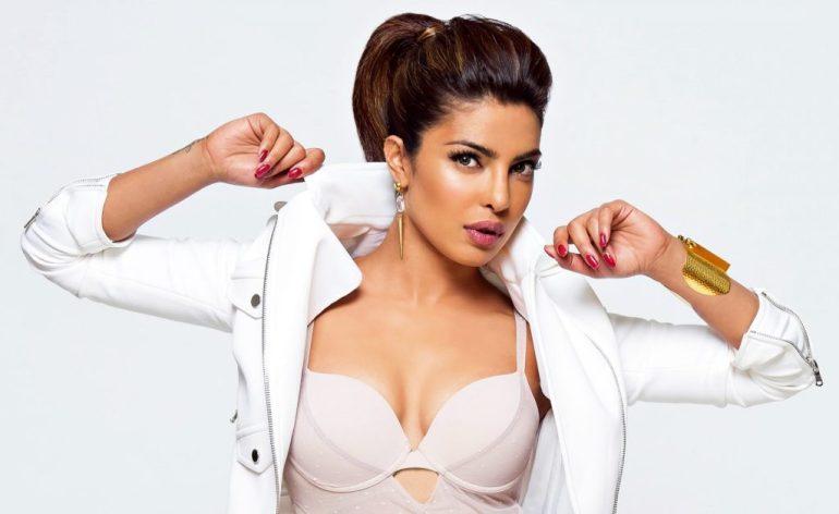 31+ Glamorous Photos of Priyanka Chopra 86