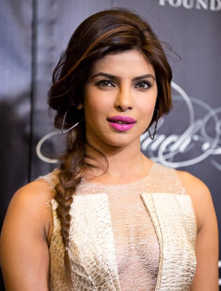 31+ Glamorous Photos of Priyanka Chopra 109