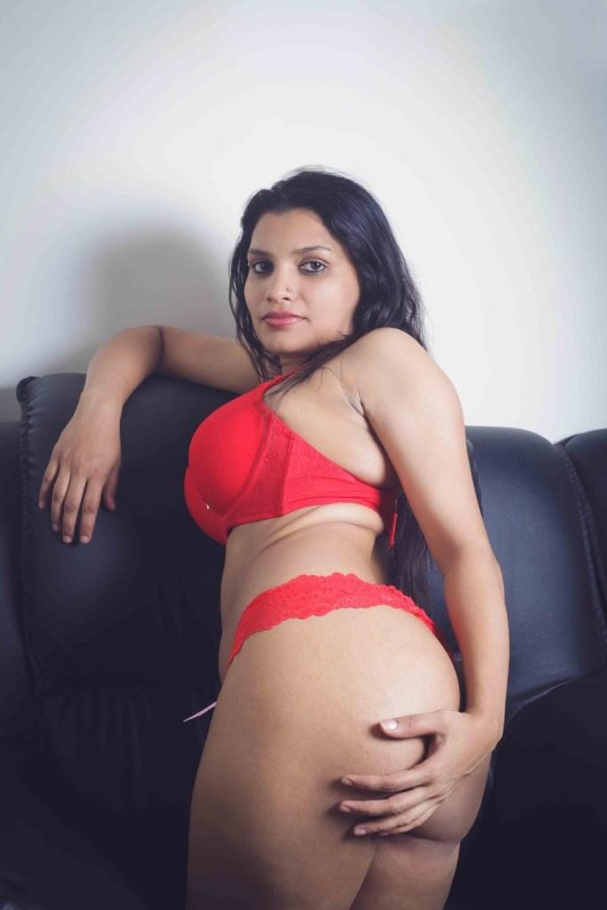 45+ Glamorous Photos of Resmi R Nair 46