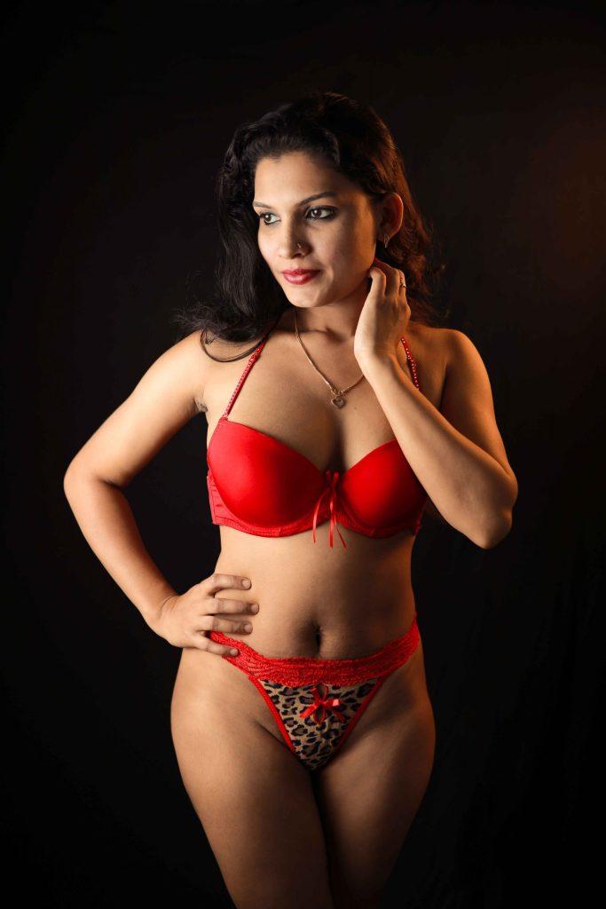 Resmi R Nair 42+ Glamorous Photos, Wiki, Age, and Biography 7