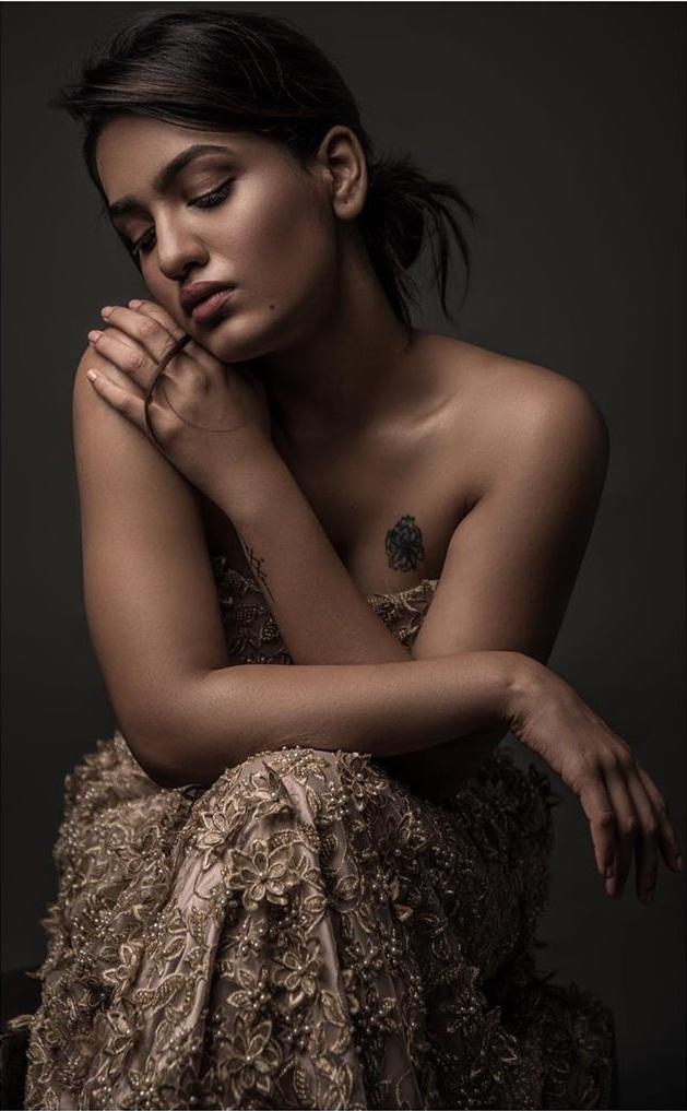 Saniya Iyappan Wiki, Age, Boyfriend, Movies, Family, Biography & beautiful Photos 19