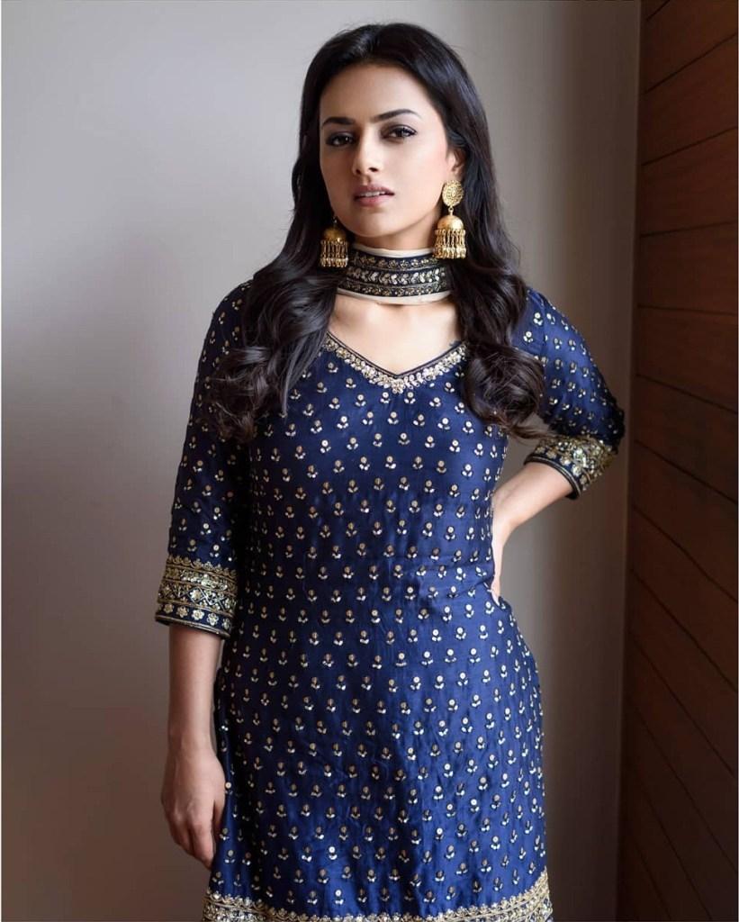 45+ Glamorous Photos of Shraddha Srinath 24