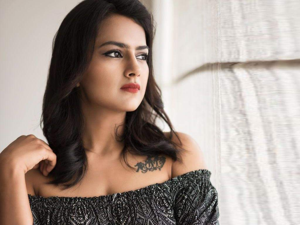 45+ Glamorous Photos of Shraddha Srinath 39
