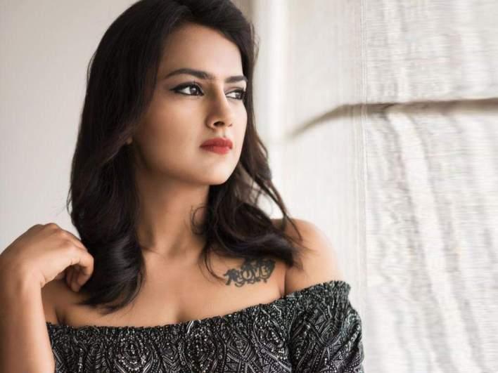 45+ Glamorous Photos of Shraddha Srinath 38