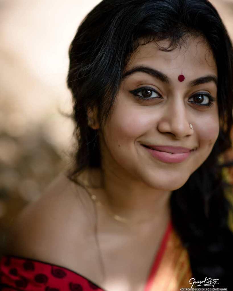 21+ Beautiful Photos of Shruthi Ramachandran 6