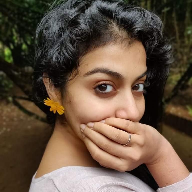21+ Beautiful Photos of Shruthi Ramachandran 91