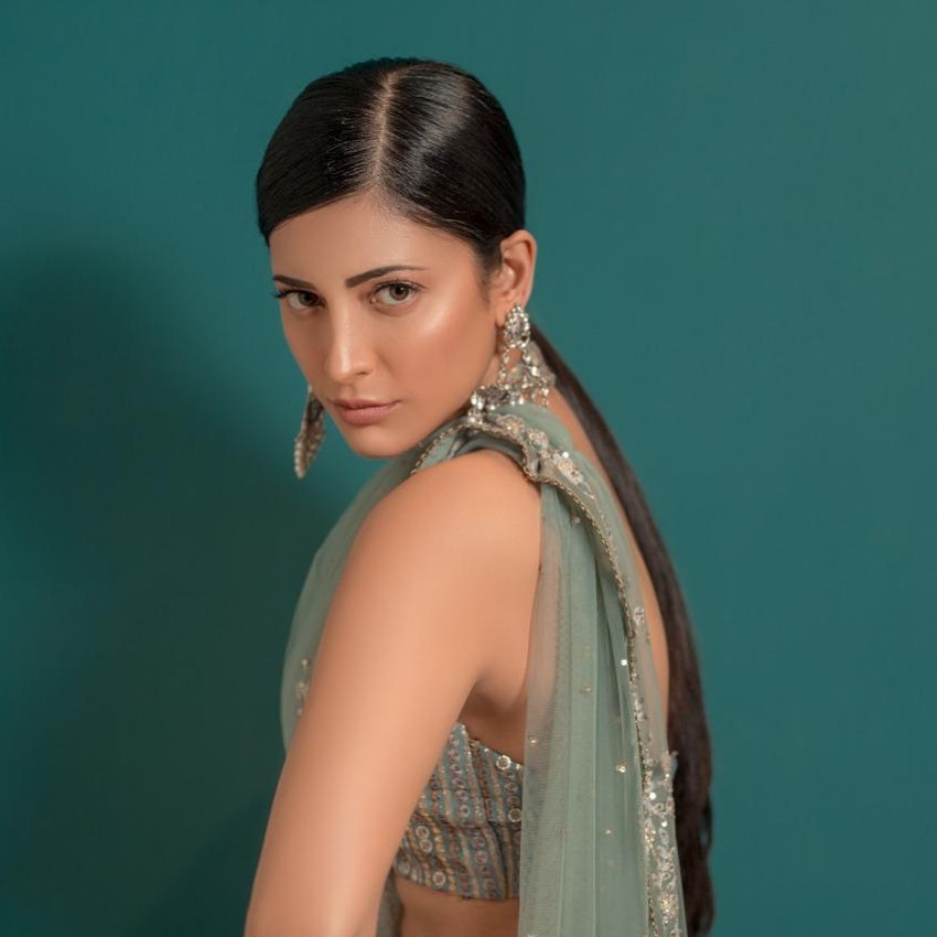 56+ Lovely Photos of Shruti Hassan 15