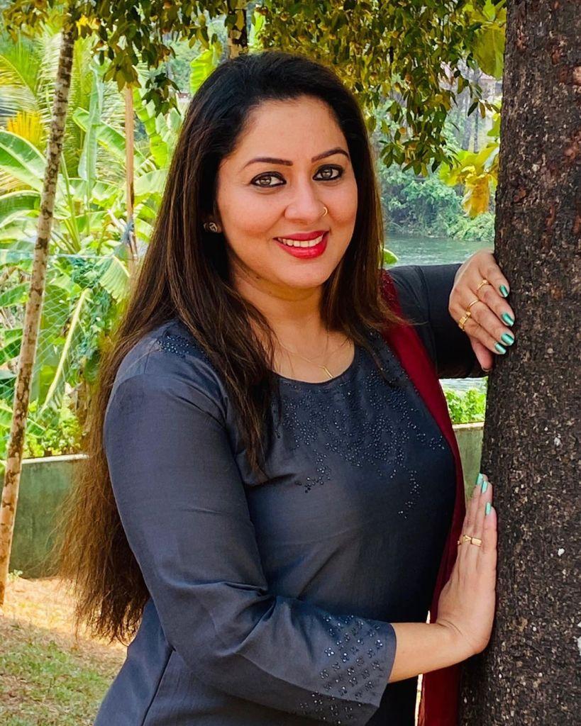 23+ Lovely Photos of Sreeya Remesh 9