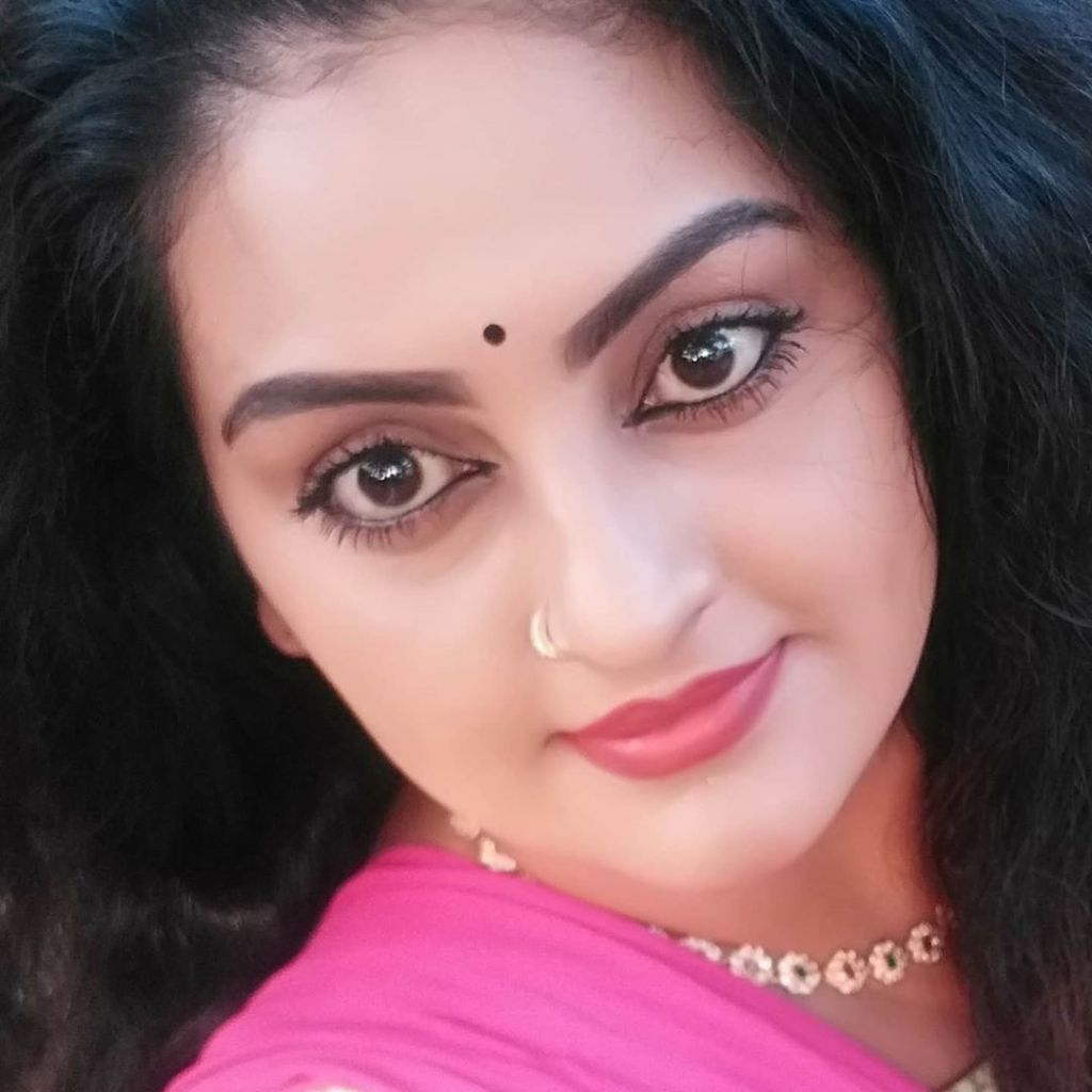 Suchitra Nair Wiki, Biography, Age, Family and 26+ Beautiful Photos 19