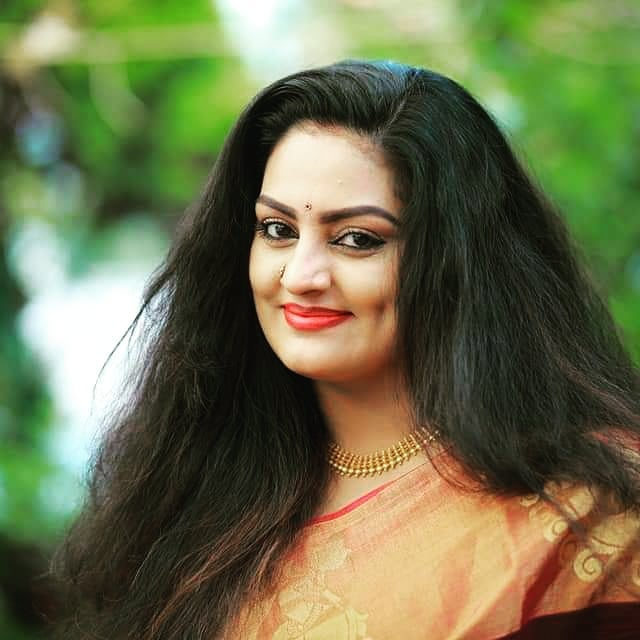 Suchitra Nair Wiki, Biography, Age, Family and 26+ Beautiful Photos 22