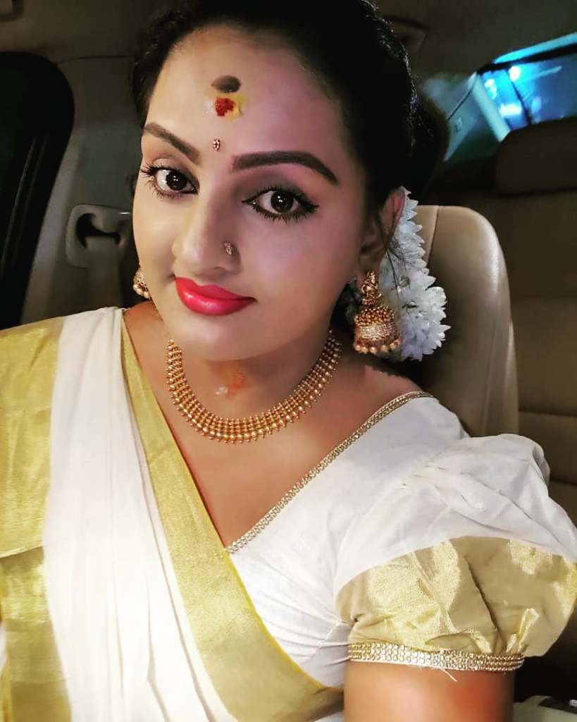Suchitra Nair Wiki, Biography, Age, Family and 26+ Beautiful Photos 10