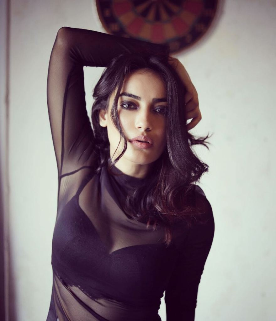 35+ Charming Photos of Surbhi Jyoti 24