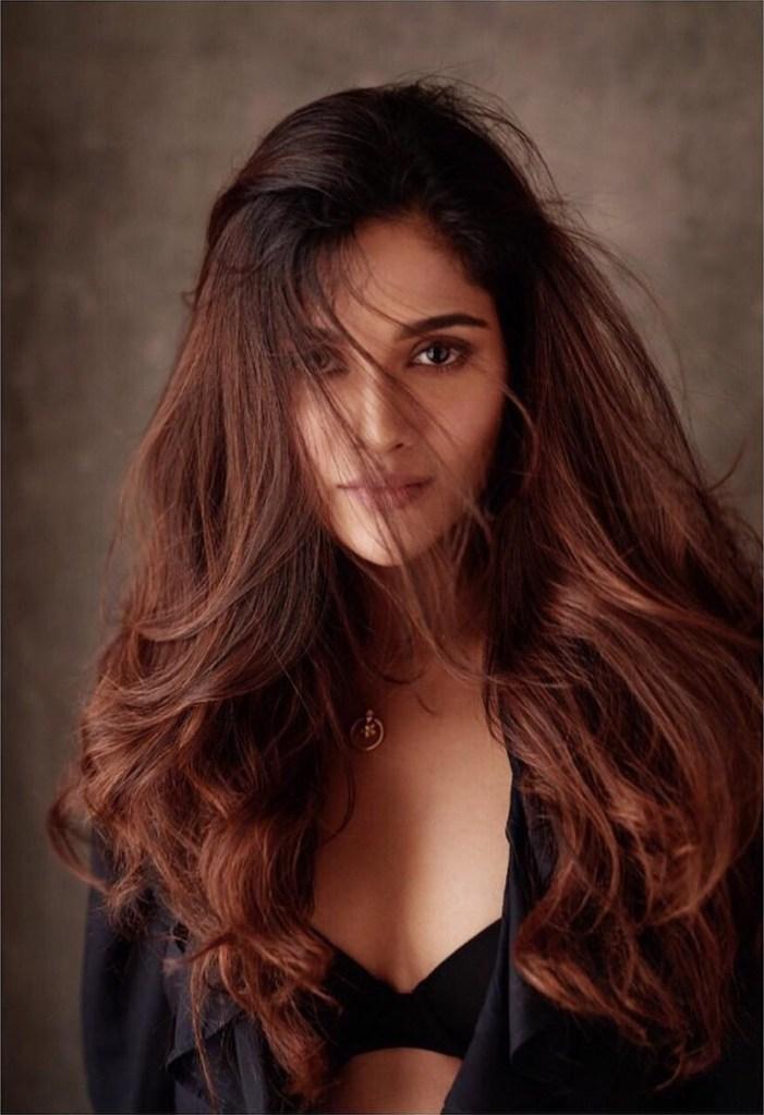 17+ Glamorous Photos of Sushrii Shreya Mishra 3