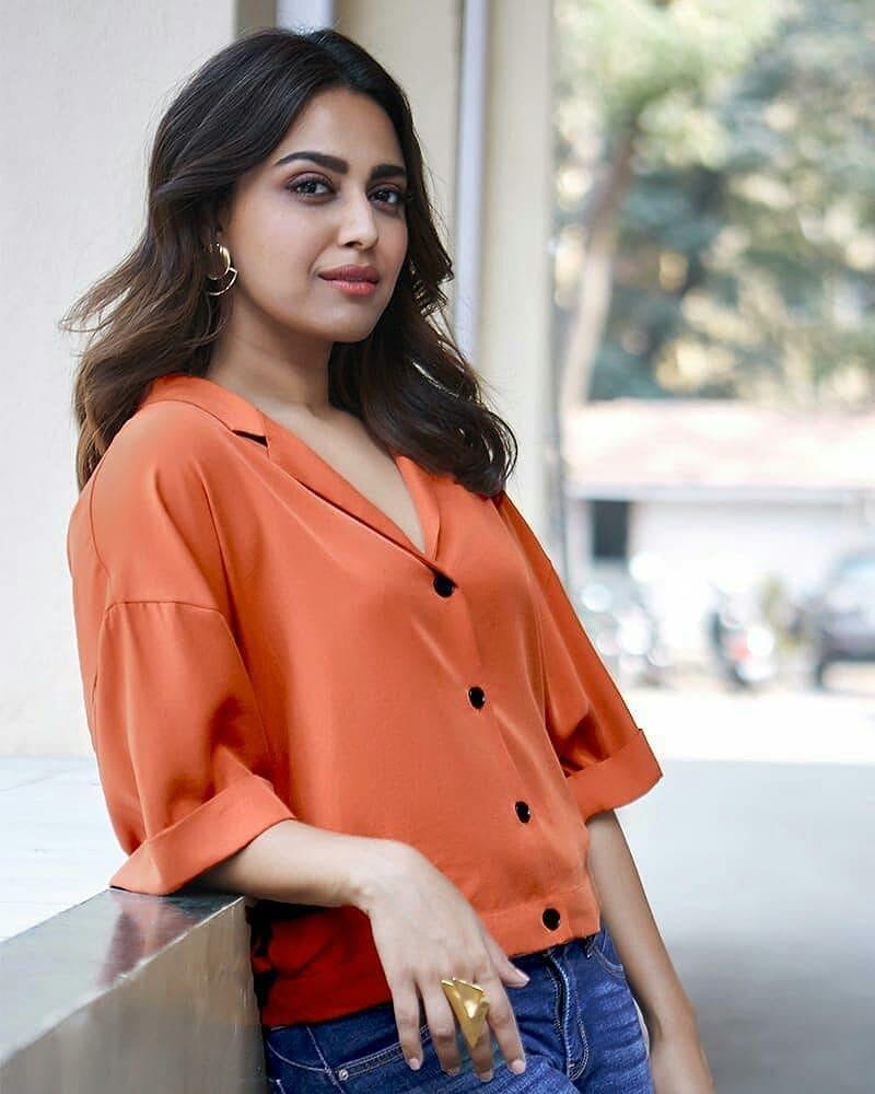 40+ Charming Photos of Swara Bhaskar 19