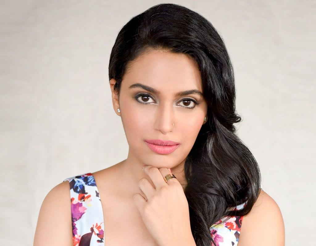 40+ Charming Photos of Swara Bhaskar 31