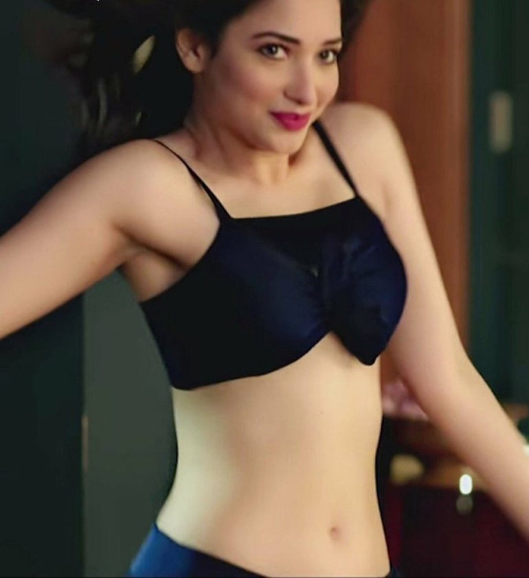 Tamanna Bhatia Wiki, Age, Biography, Movies, and Glamorous Photos 53