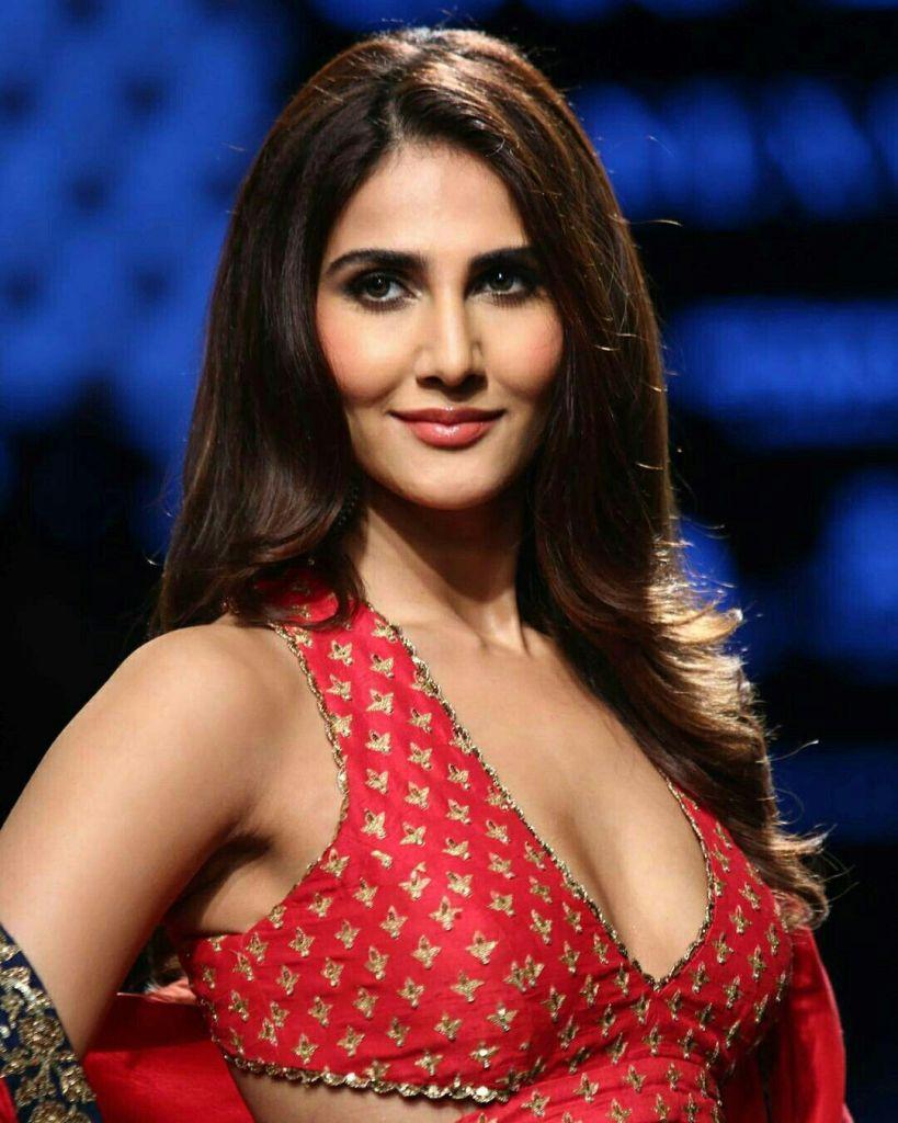 36+ Stunning Photos of Vaani Kapoor 32