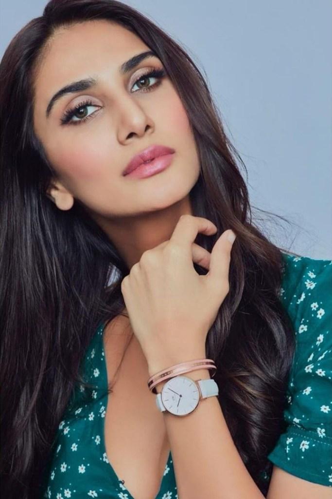 36+ Stunning Photos of Vaani Kapoor 6