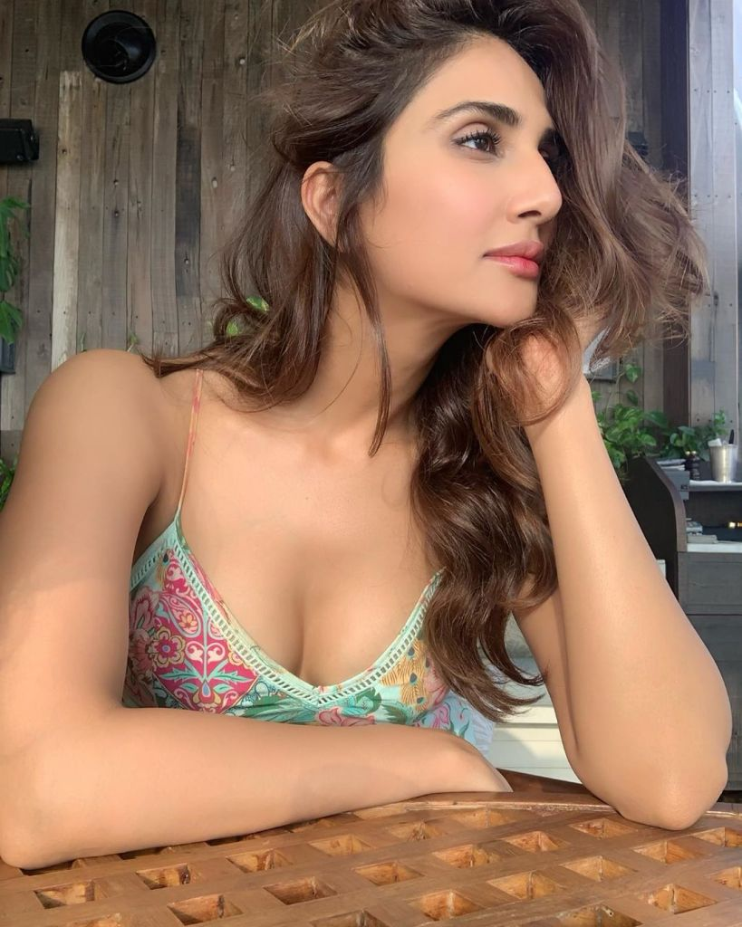 36+ Stunning Photos of Vaani Kapoor 93