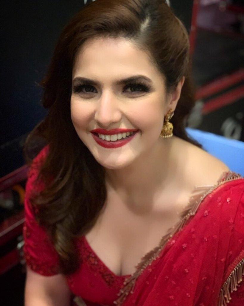 45+ Stunning Photos of Zareen Khan 4